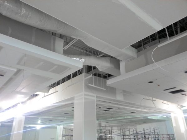 Robertson-Walls-Ceilings-Completed-Projects-Luxury-Retail-Forever21-9-600x450 Drywall & Steel Stud Installation Services